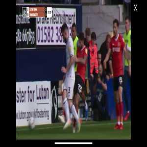 Lansbury yellow for kick against Swansea 28'