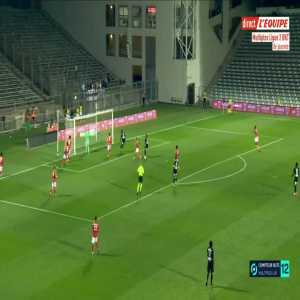 Nîmes 2-[1] Amiens - Aliou Badji 60'
