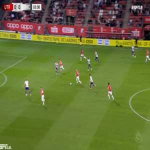 Utrecht 1-0 Waalwijk - Simon Gustafson 4'