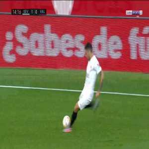 Sevilla 2-0 Valencia - Gonzalo Montiel 15'