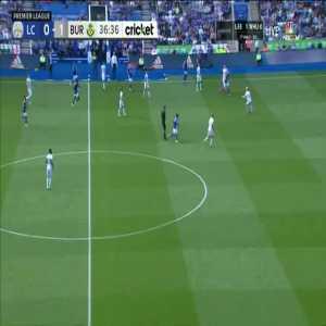 Leicester [1]-1 Burnley - Jamie Vardy 37'
