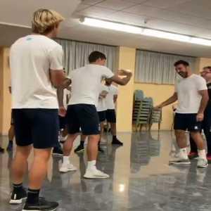 [Fabrizio Romano] Gigi Buffon into Parma dressing room… legend.