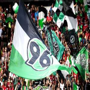 [NDR Sport] The members of second-division club Hannover 96 have anchored the 50+1 rule in the club's bylaws. This ensures that investors remain limited, even if the DFL or a court were to overturn the 50+1 rule.