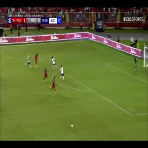 USA-Panama Last 2 Minutes Featuring 3 Pitch Invaders