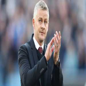 [David Ornstein] As things stand Ole Gunnar Solskjaer position as Manchester United manager understood to be 100% secure. Despite poor run of form 48yo still has support of #MUFC board. Signed new contract in running until 2024 with option of further year
