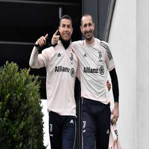 """[Dazn Italia] Chiellini: """"Ronaldo left on 28 August, it would have been better for us if he had left earlier. We paid something for it, a little bit of a shock, we paid something for it in terms of points. If he had left earlier we would have had time to prepare better."""""""