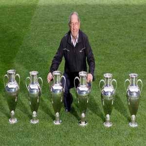 [Real Madrid] Happy birthday! 🏆🏆🏆🏆🏆🏆 Paco Gento, our honorary president and the only player to have won 6⃣ European Cups, turns 88 today. https://t.co/qoITel7lEy