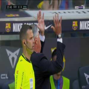 Real Madrid penalty shout vs Barcelona