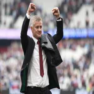[Fabrizio Romano] The decision from main part of Manchester United board is now confirmed/approved. My understanding is Ole Gunnar Solskjær will definitely be in charge for Tottenham game on Saturday 🔴 #MUFC Ferguson supported him. Ole also spoke to players today. Next games will be crucial.