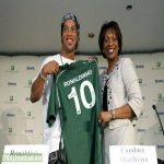 Ronaldinho has NOT joined Chapecoense. This is an image from 2008 when Dinho signed on as a product spokesman for Amway. Stay woke.