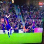 Iniesta great control vs. Espanyol