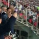Argentinian fans reaction to Maradona entering the stadium