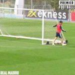 Gareth Bale sitting Courtois down in training 😅