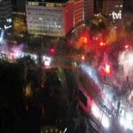 Benfica's team reaches the heart of Lisbon with reported 300.000-500.000 people celebrating the tittle on the streets
