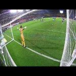 Another great triple save by Venezuelan NT goalkeeper Wuilker Faríñez