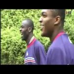Desailly and Thuram discuss ways to stop Ronaldo before '98 World Cup Final