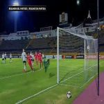 Colombian midfielder Catalina Usme with a incredible free kick for America in the Copa Libertadores