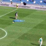 Someone randomly parachutes onto the pitch during Inter-Sassuolo