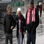 A 92-year-old Athletic Bilbao fan travels from Uruguay to watch the team play at San Mamés and is met by some of the players like for example Iñaki Williams (video)