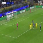 Burki saves Martínez penalty shot (Inter vs Dortmund)