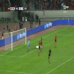 Amazing feint and reflex by the goalkeeper to save the 1v1 in the Moroccan league