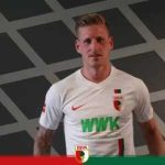 Bad day at the office for Augsburg's André Hahn: 9' Misses penalty; 23' yellow card; 43' second yellow card