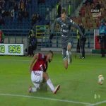 Extremely powerful knee surface damage in Polish Ekstraklasa