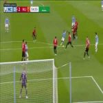 Victor Lindelof's last ditch block on De Bruyne's shot (Man City vs Man United)