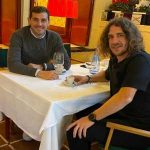 "Iker Casillas: And there comes a day when you get together to eat and start talking about ""Clasicos""; of Euros and World Cups.; and a thousand stories that come to mind ... A pleasure sir. @CarlesPuyol"