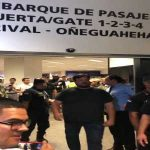 Adebayor's welcome upon arrival in Paraguay
