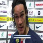 Cavani presented with a trophy for 200 PSG goals