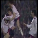 Liverpool 1 - [1] Manchester United - Robson 46' (Great Goal)