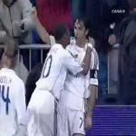 Real Madrid [1]-0 Barcelona - Raul (great goal)