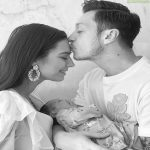 Mesut Özil ans his wife announce the birth of their daughter