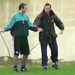 Johan Cruyff teaching Stoichkov how to jumprope in 1992
