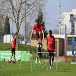 Fortuna Düsseldorf: Adam Bodzek and Zack Steffen got injured in training. Bodzek contracted a muscle fiber tear in the thigh, Steffen an inner ligament injury in the knee.