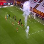 Flares in the Galatasaray-Fenerbahce derby... with no fans in attendance due to covid