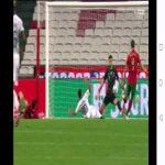 Patricio save vs Martial / Martial busting Rui's balls