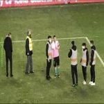 After the game last night, Lionel Messi remained on the pitch to take pictures with youngsters from Rayo Vallecano