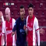 Huge chance Ajax against Willem II, Haller hits the cross bar, Klaassen forgets to score.