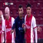 Huge chance Ajax against Willem II, Haller hits the cross bar, Klaassen forgets to score.