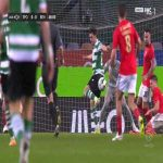 Julian Weigl (Benfica) ballsy block against Sporting 48'