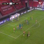 PSV 2-0 Olympiakos [4-4 on agg.] - Eran Zahavi free-kick 44'