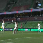 Mike Maignan (Lille) penalty save against Metz 17'