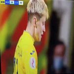 Hilarious red card foul in Northern Ireland v Ukraine women