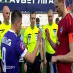 UPL coin toss took a Ukrainian Easter twist. Captains of each side took part in 'egg tapping' - when the eggs hit - the egg that breaks loses
