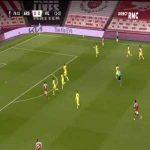 Aubameyang hits the post again vs Villarreal 79'