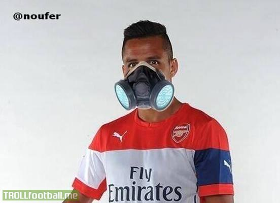 Alexis On His Way To Arsenals Trophy Cabinet